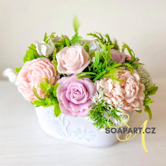 IN STOCK, bucket 11 soap flowers, mix