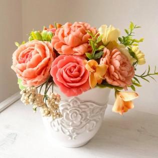 IN STOCK Vase Elsa, 11 soap flowers