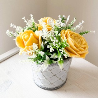 IN STOCK, Bucket with 3 soap flowers yellow