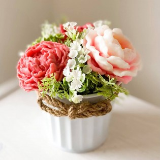 IN STOCK, Bucket with 3 soap flowers dark pink