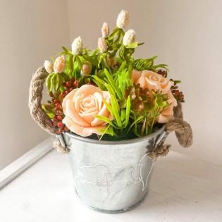 IN STOCK, Beige flower in bucket, 3 flowers