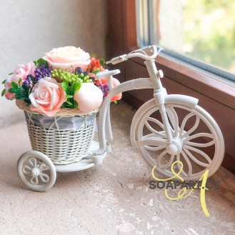 Bicycle with 7 soap flowers